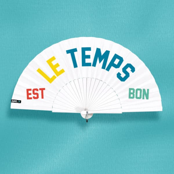 LE TEMPS EST BON hand fan in printed fabric, four color text (red, yellow, blue, green), white painted wood frame