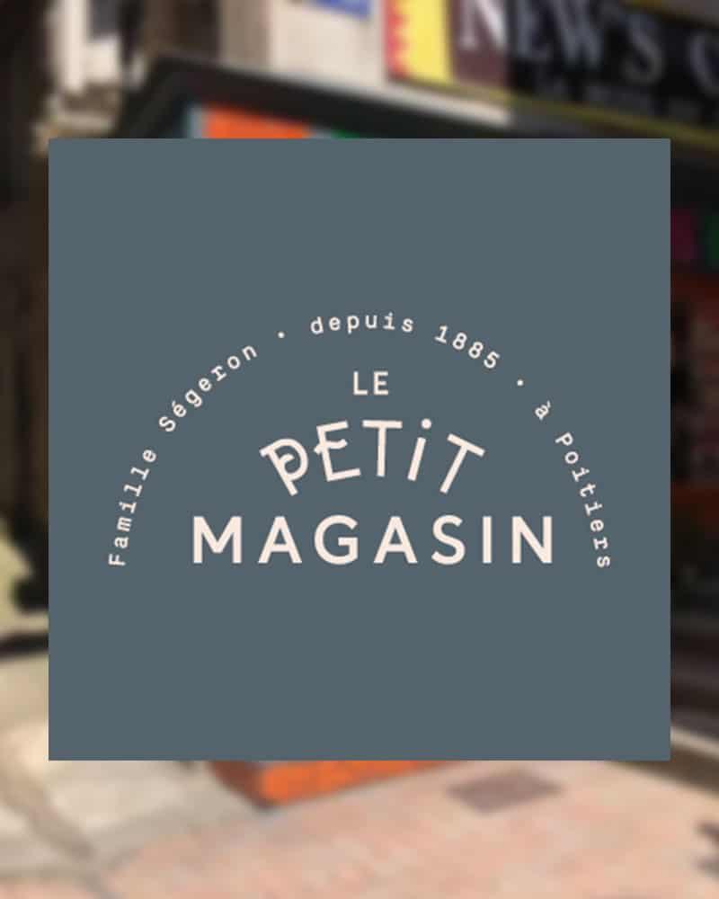 """Logo de la boutique """"Le Petit Magasin"""" à Poitiers, point de vente officiel des éventails Ramdam Dlx"""
